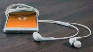 音楽をスマホで聴く