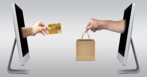 クレジットカードでネットショッピングする図